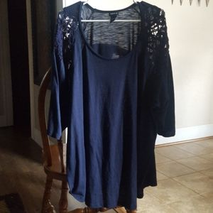 Torrid Size 5 Navy Blue Top 3/4 Sleeves 🤗